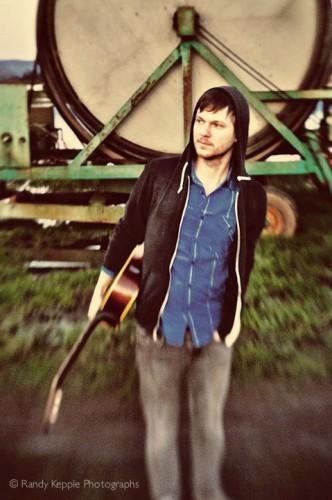 Dustin Ruth, singer/songwriter